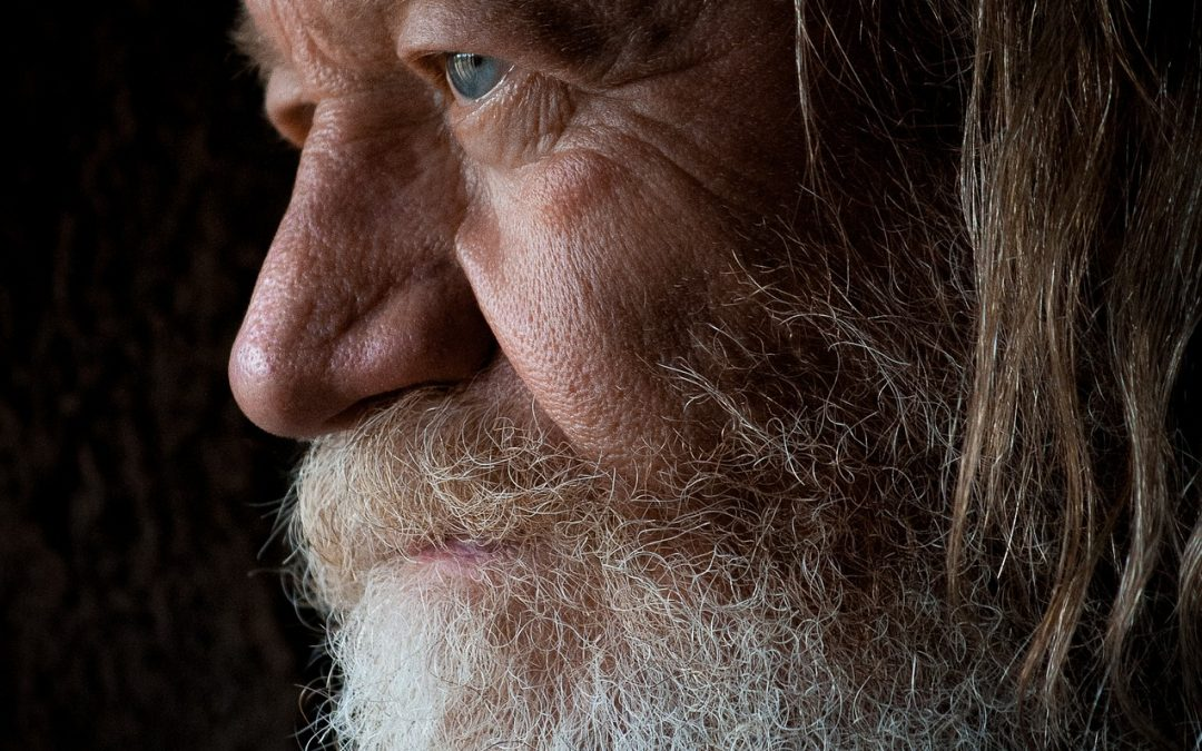 Mi a különbség öreg és idős között?